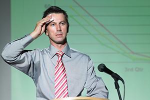 استرس شدید هنگام سخنرانی را چگونه کنترل و مهار کنیم؟