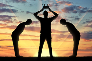 آیا خودشیفته ها افراد موفق تری نسبت به دیگران هستند؟
