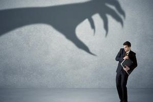 ترس از تصمیم گیری چیه؟ همه چیز درباره ترس از تصمیم گیری