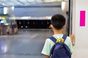 خاطرات بد کودکی چه نقشی در زندگی دارند؟ راه های رهایی از خاطرات بد کودکی